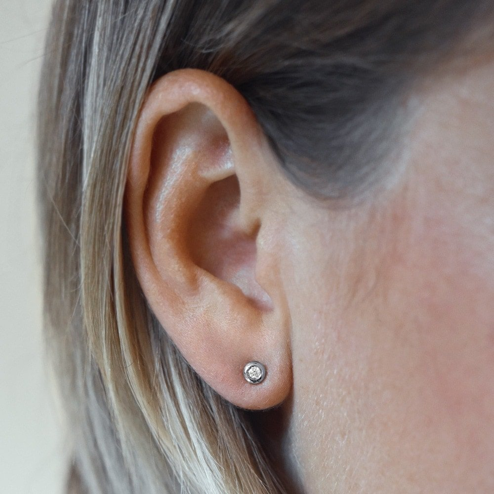 Ohrstecker Eternal in Platin mit Diamant bei JUWELIER.de