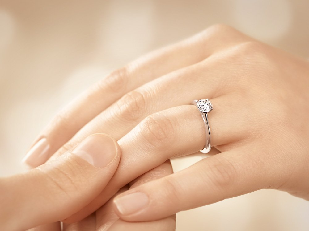 Solitärring Delight in 14K Weißgold mit Diamant 0,75ct H/SI Made in Germany