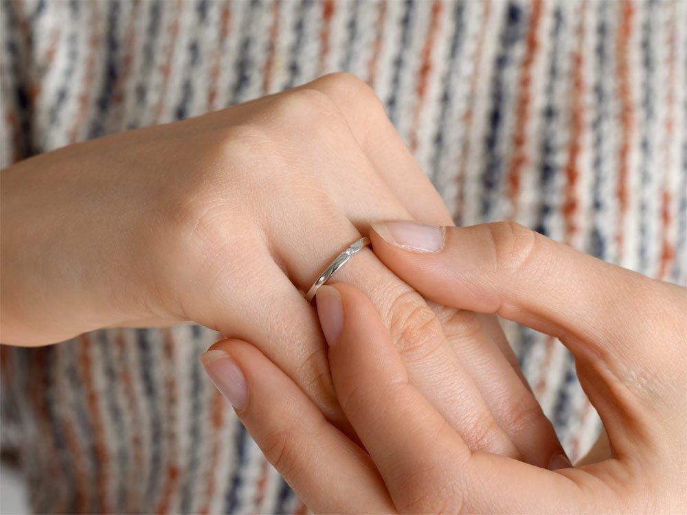 Verlobungsring Infinity Petite in Weißgold beim Juwelier online