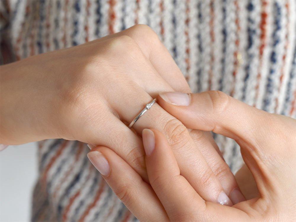 Verlobungsring Melody in 18K Weißgold mit Diamant 0,05ct G/VS beim Juwelier online