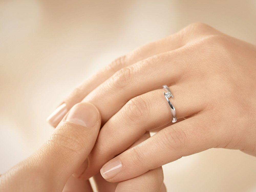 Verlobungsring Twist in Silber und Diamant 0,10ct G/SI beim Juwelier online
