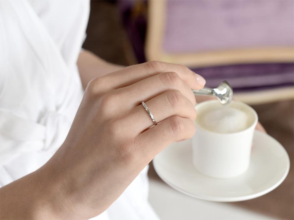 Verlobungsring Infinity Petite in Weißgold handgefertigt